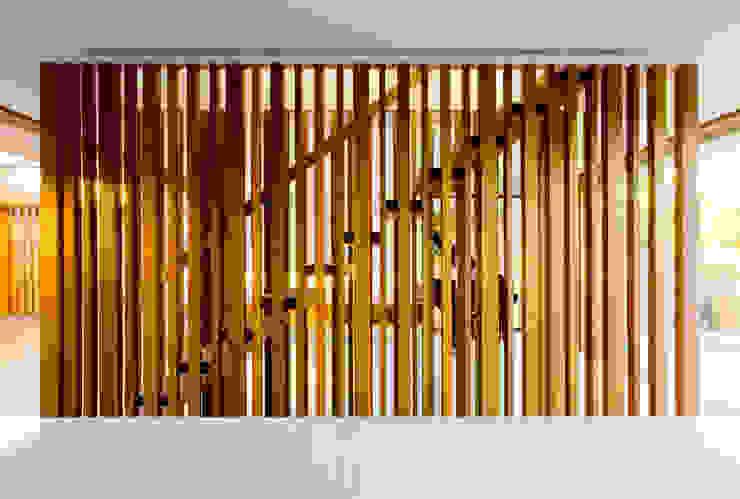 Project #2 Modern Corridor, Hallway and Staircase by CHROFI Modern