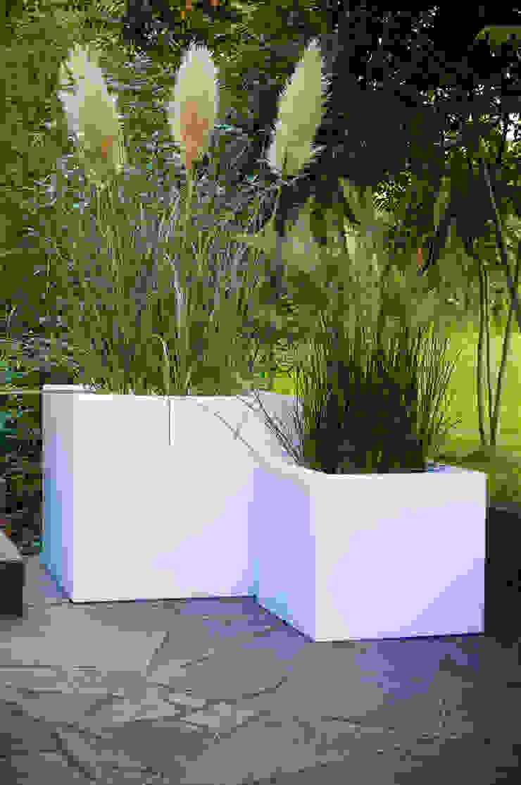 Verlichte plantenbakken van Verlichtmeubilair   Viper Handelmaatschappij BV