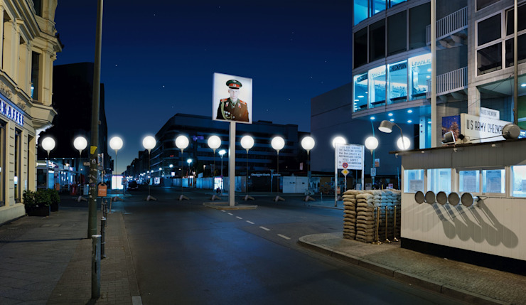 Visualization of the LICHTGRENZE at Checkpoint Charlie homify