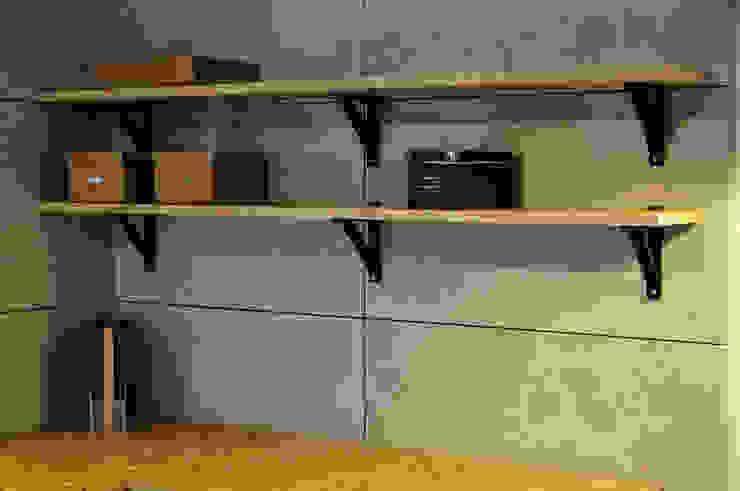 Projekty,  Ściany i podłogi zaprojektowane przez Loft Design System Deutschland - Wandpaneele aus Bayern,