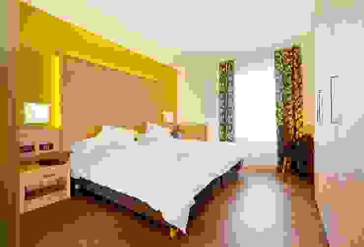 "ECO HOTEL ""VIRIDIS"" Hotel moderni di ASCANIO ZOCCHI Moderno"