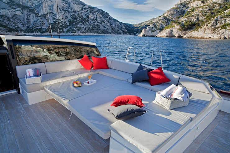 Yachts & jets by Finot,