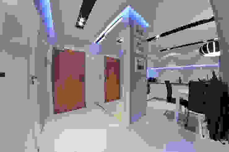 Couloir et hall d'entrée de style  par homify, Moderne