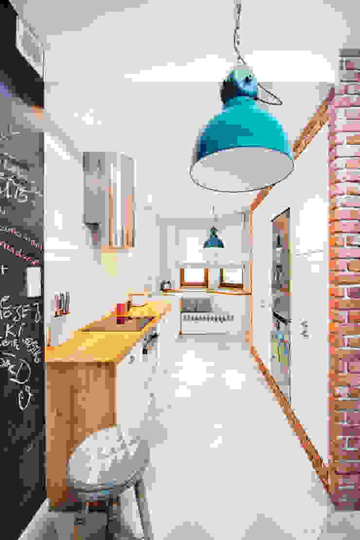 Willowa Aleja Skandynawska kuchnia od NA NO WO ARCHITEKCI Skandynawski