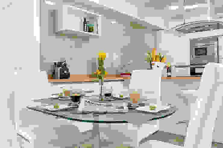 Mesa de comedor y cocina Salas de estilo moderno de Espacios y Luz Fotografía Moderno