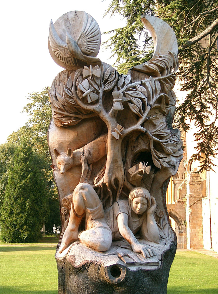 Pershore Abbey park sculpture by Tom Harvey
