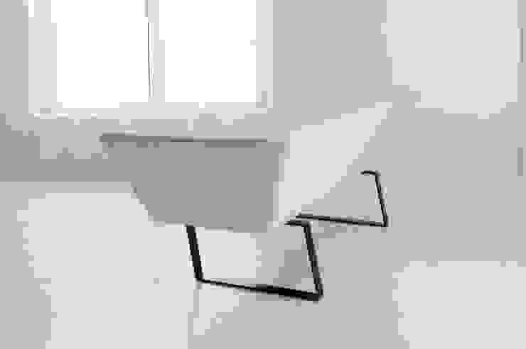 soi Sofa の Sakai Design Associate