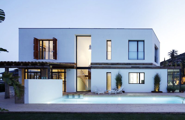Houses by 08023 Architects, Mediterranean