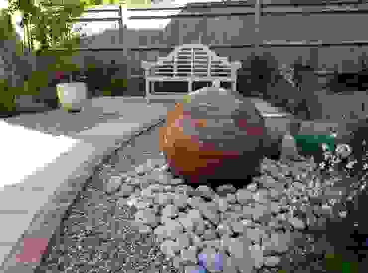 Serene Gravel Garden โดย Cornus Garden Design โมเดิร์น