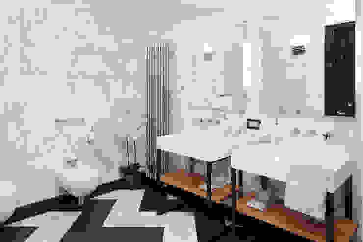 квартира Ванная комната в стиле модерн от Nelly Say Модерн
