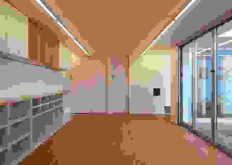 保育室 ミニマルスタイルの 子供部屋 の 石嶋寿和/石嶋設計室 ミニマル