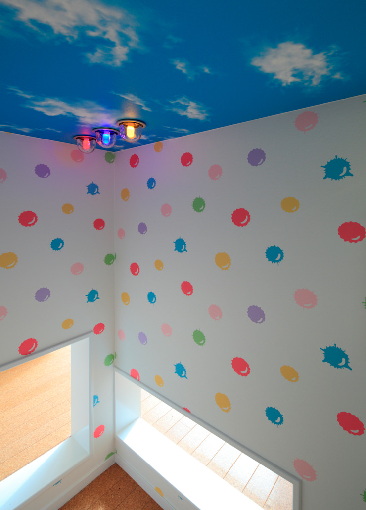 基地 ミニマルスタイルの 子供部屋 の 石嶋寿和/石嶋設計室 ミニマル