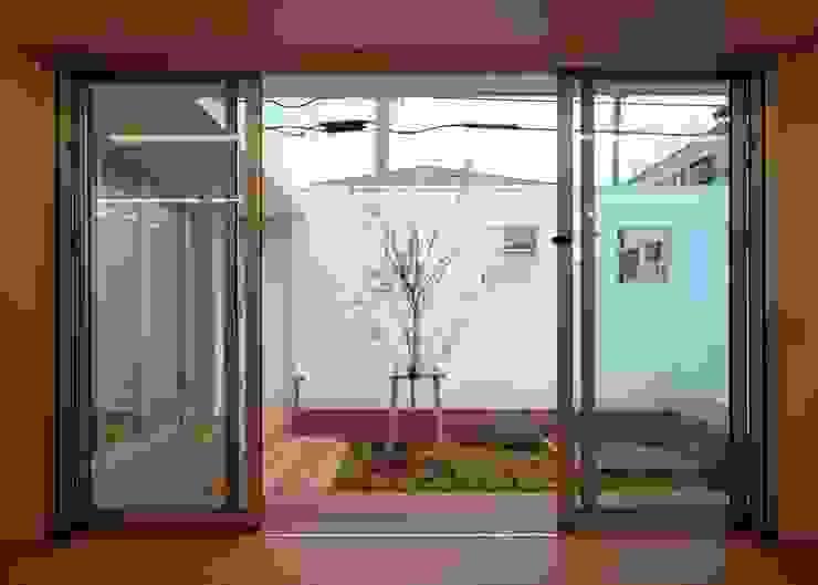 庭 ミニマルな 庭 の 石嶋寿和/石嶋設計室 ミニマル