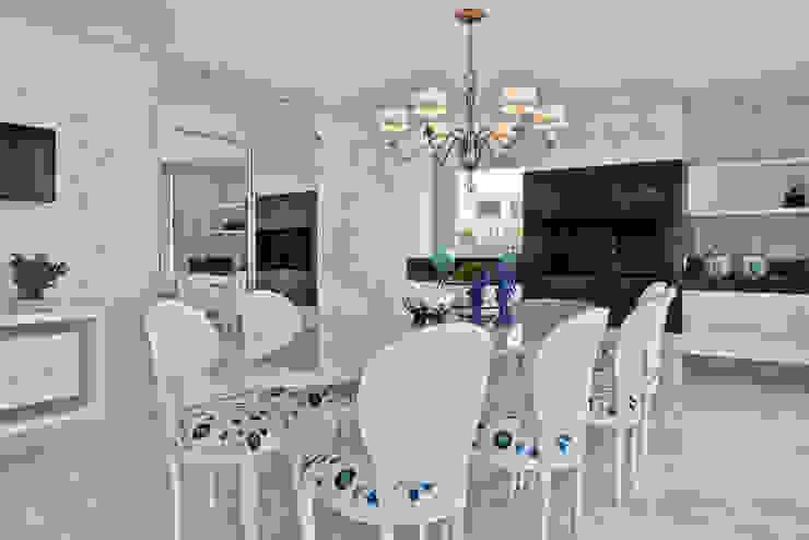 Casa em Jurerê Internacional – SC – Brasil Salas de jantar clássicas por Samara Barbosa Arquitetura Clássico