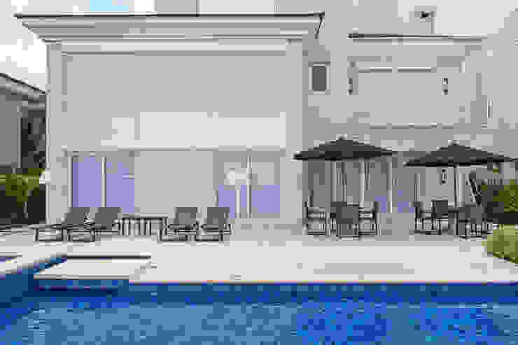 Pool by Samara Barbosa Arquitetura