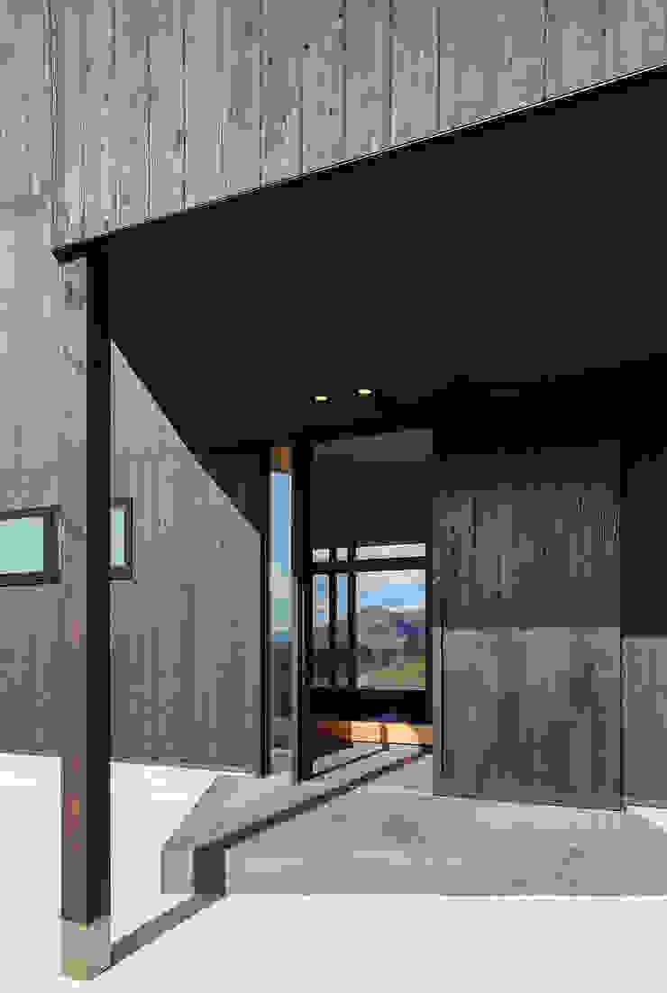 Modern houses by 傳寶慶子建築研究所 Modern