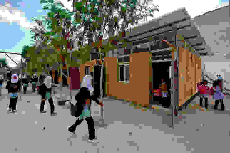 La Scuole nel Deserto – Abu Hindi primary school Scuole in stile eclettico di ARCò Architettura & Cooperazione Eclettico
