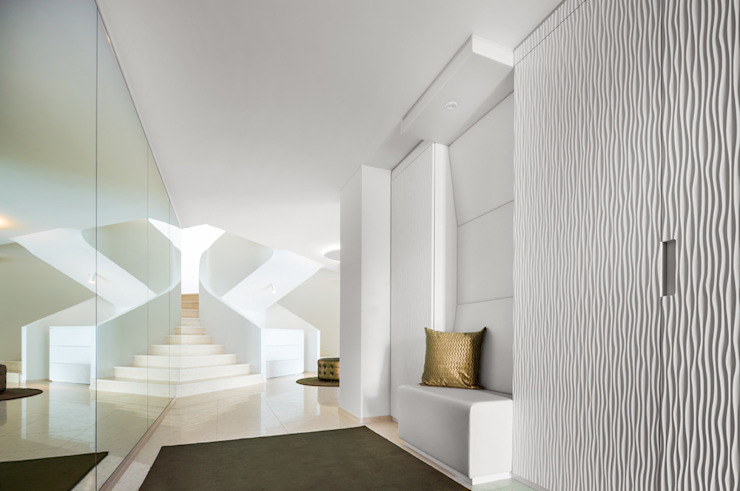 Villa T Moderner Flur, Diele & Treppenhaus von DITTEL ARCHITEKTEN GMBH Modern