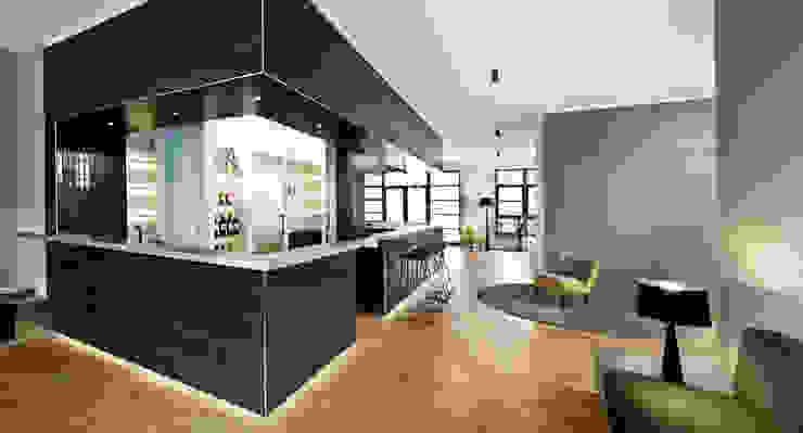 Кухня в стиле модерн от DITTEL ARCHITEKTEN GMBH Модерн