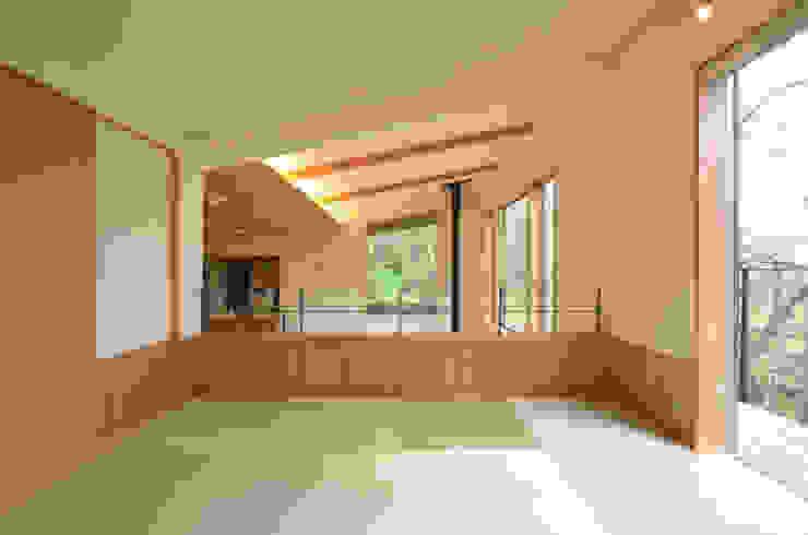 . 和風デザインの 多目的室 の 鎌田建築設計室 和風