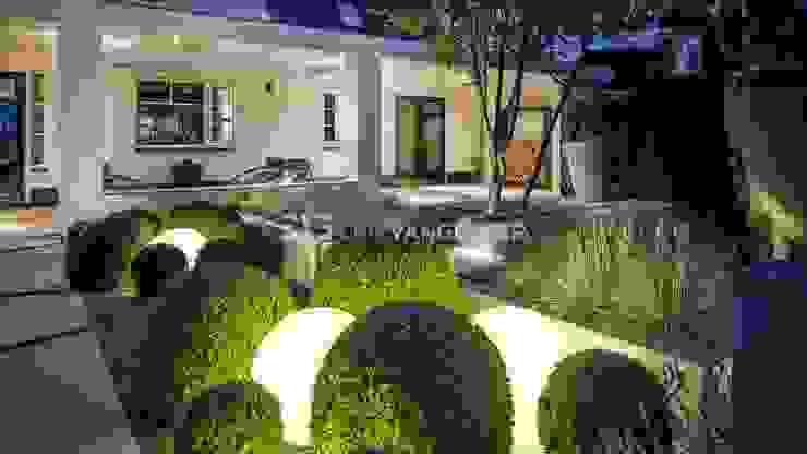 Moderne villatuin Middelburg Mediterrane balkons, veranda's en terrassen van ERIK VAN GELDER | Devoted to Garden Design Mediterraan