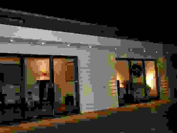 Projects, Extensions, Lofts Casas de estilo moderno de Xspace Moderno