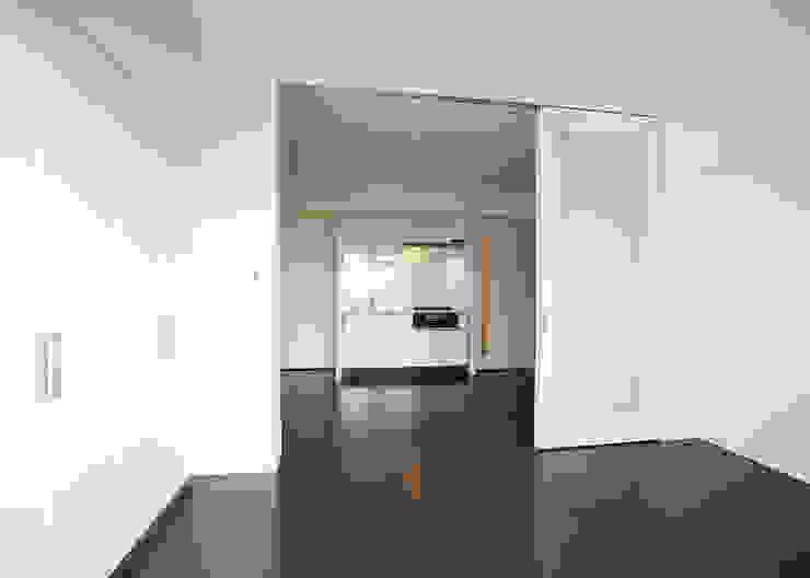 住戸居間 オリジナルデザインの リビング の 八島建築設計室 オリジナル