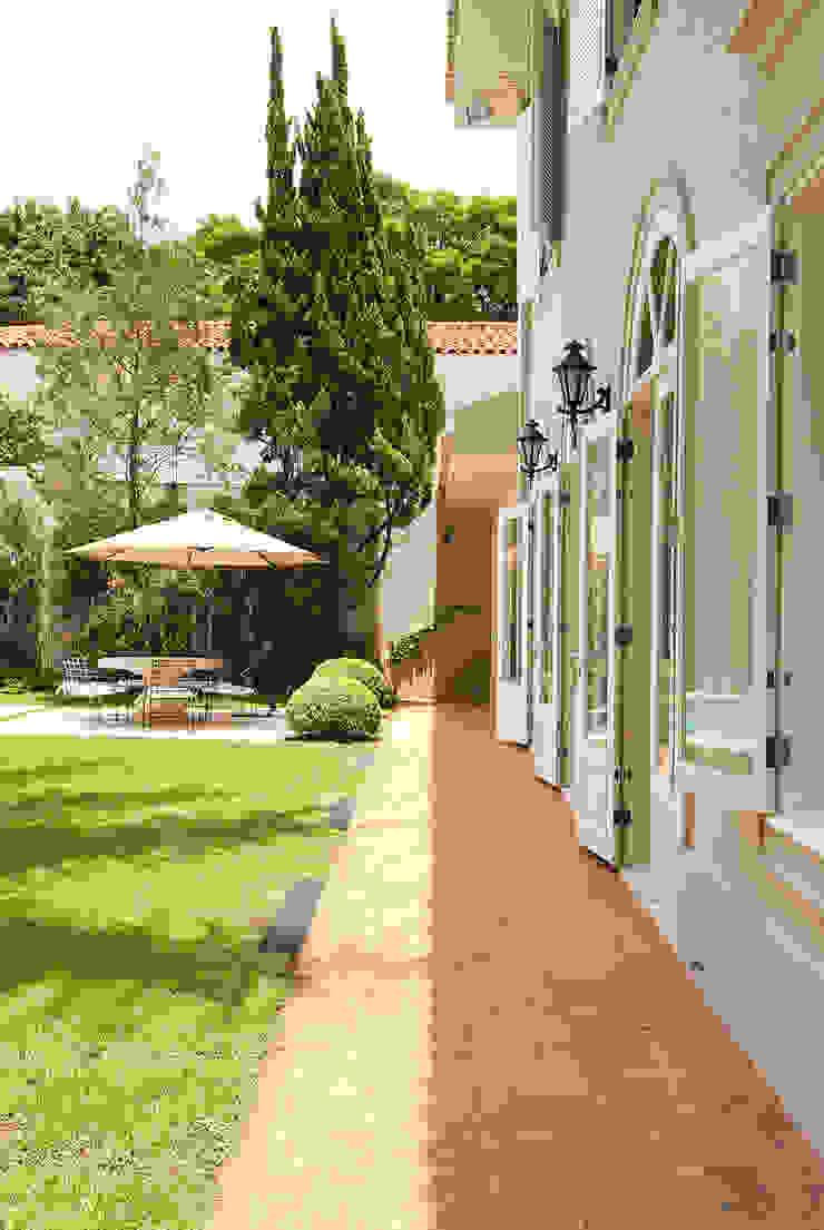 Rua Austria Casas clássicas por Prado Zogbi Tobar Clássico