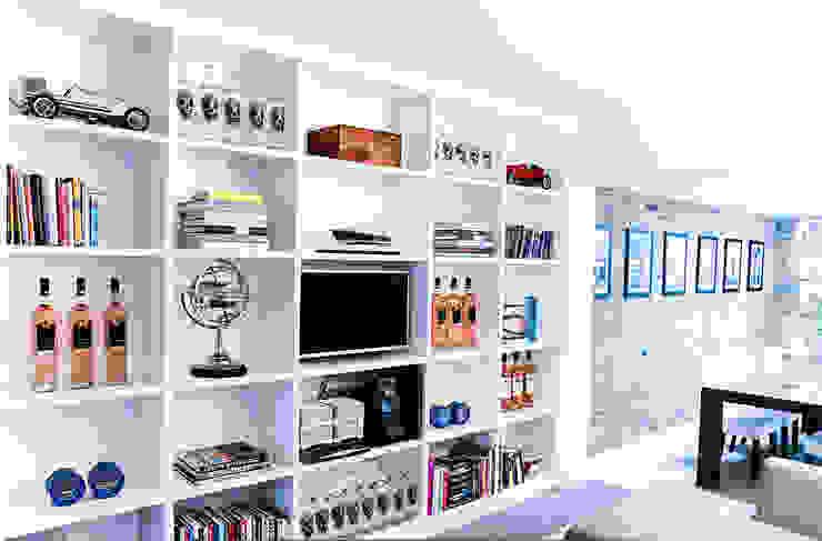 Fitted Shelves, Putney: modern  by Vivid line furniture ltd, Modern