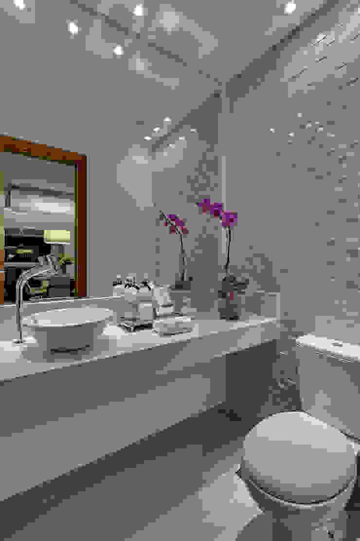Projeto Banheiros modernos por carla felippi arquiteta Moderno
