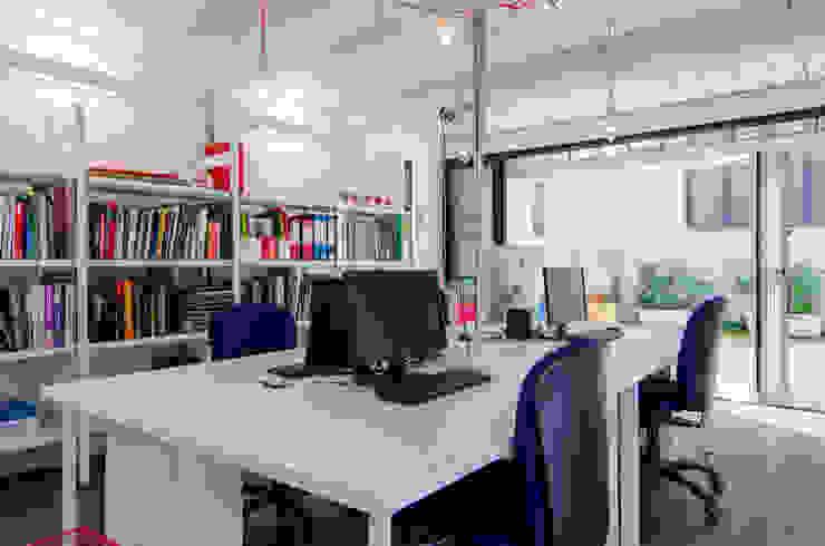 UFFICI NOMADEA RCHITETTURA:  in stile industriale di NOMADE ARCHITETTURA E INTERIOR DESIGN, Industrial