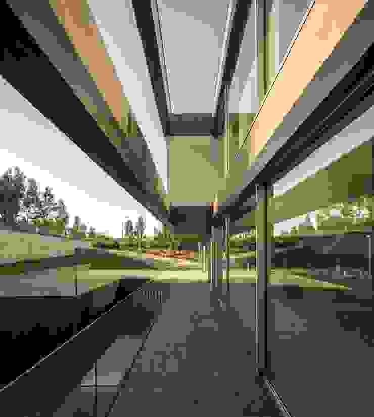 Casa BE Portas e janelas modernas por spaceworkers® Moderno