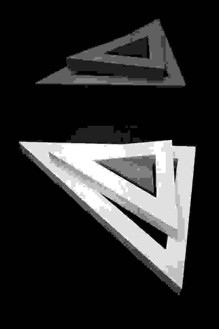 Triangle i by One Tropy