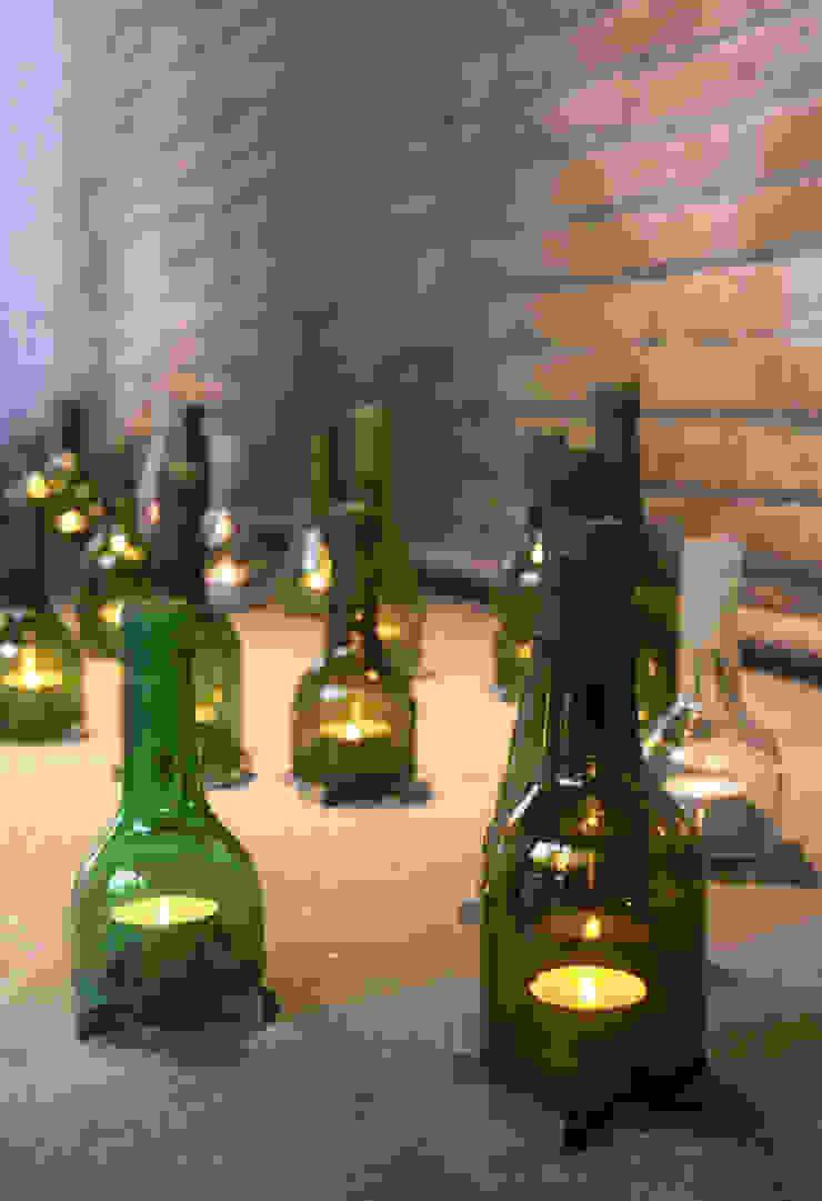 Bottle Holder: modern  door LUCAS & LUCAS, Modern