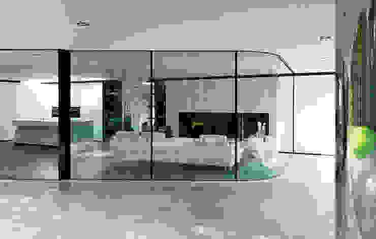 Janelas   por 123DV Moderne Villa's, Moderno