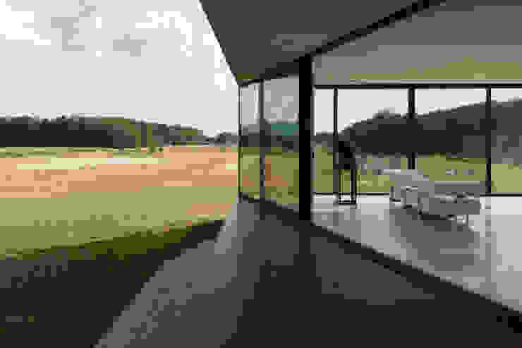 Modern balcony, veranda & terrace by 123DV Moderne Villa's Modern