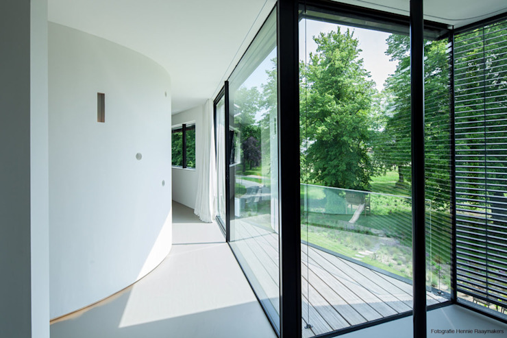 Modern windows & doors by 123DV Moderne Villa's Modern