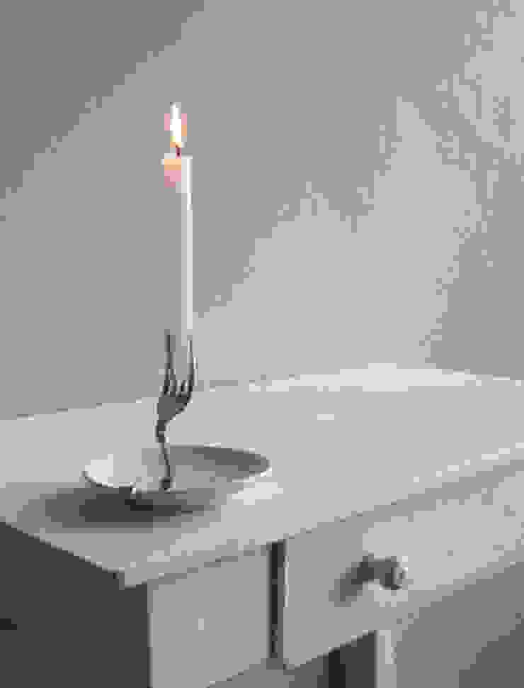 Candle Holder: modern  door LUCAS & LUCAS, Modern