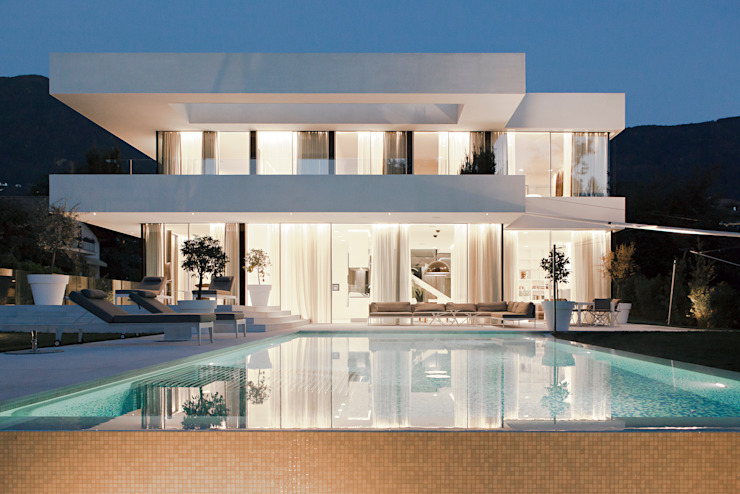 Modern houses by Gira, Giersiepen GmbH & Co. KG Modern