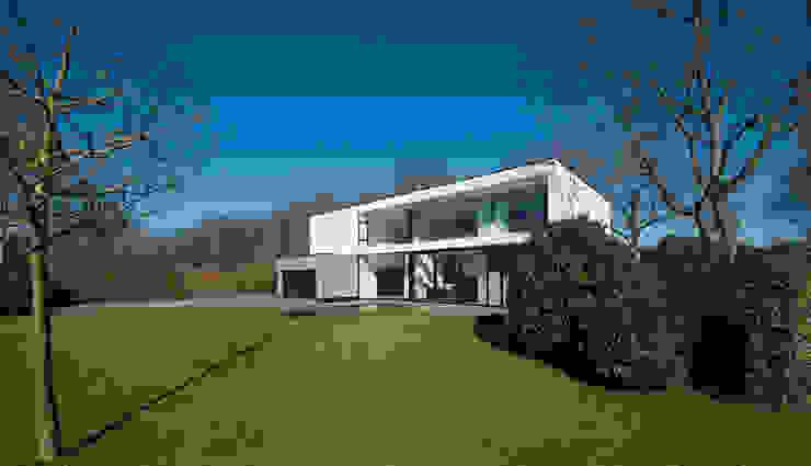 East West Villa:  Villa door 123DV Moderne Villa's, Modern
