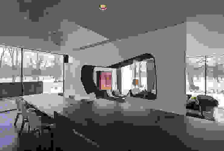 Comedores de estilo moderno de 123DV Moderne Villa's Moderno