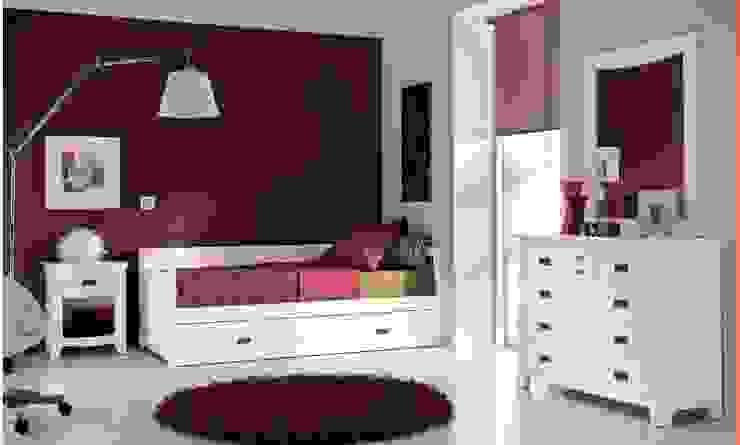 Dormitorio juvenil pino colonial:  de estilo colonial de Toca Fusta, Colonial