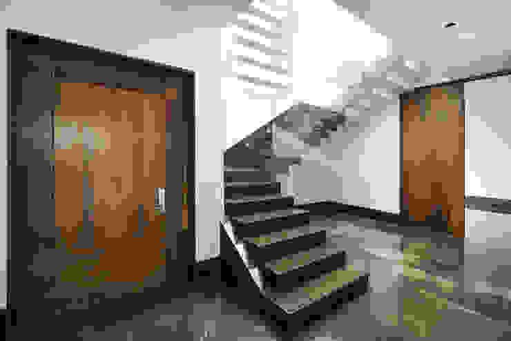 Acceso Familiar de Eugenio Adame Arquitectos