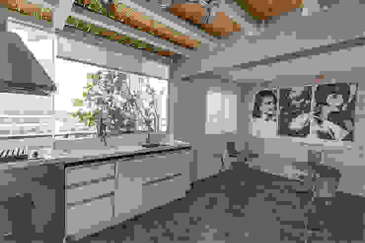 Apartamento Campo Belo - 374m2 Cozinhas modernas por Viviane Dinamarco Design de Interiores Moderno