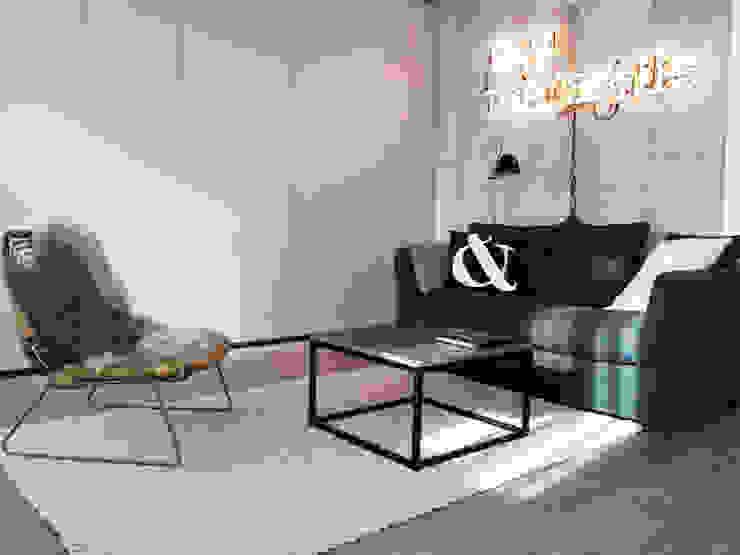 Salones de estilo moderno de Insides Moderno