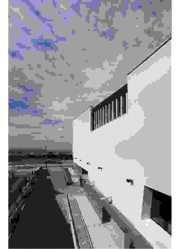 Nuevo edificio de servicios públicos en el Parque Coímbra de Javier Garcia Alda arquitecto
