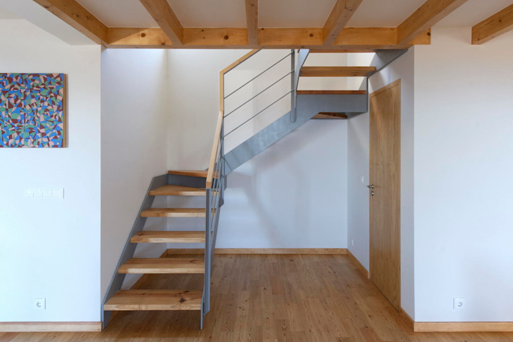 Quinta H | eco-renovation | Madeira Rustic style corridor, hallway & stairs by Mayer & Selders Arquitectura Rustic