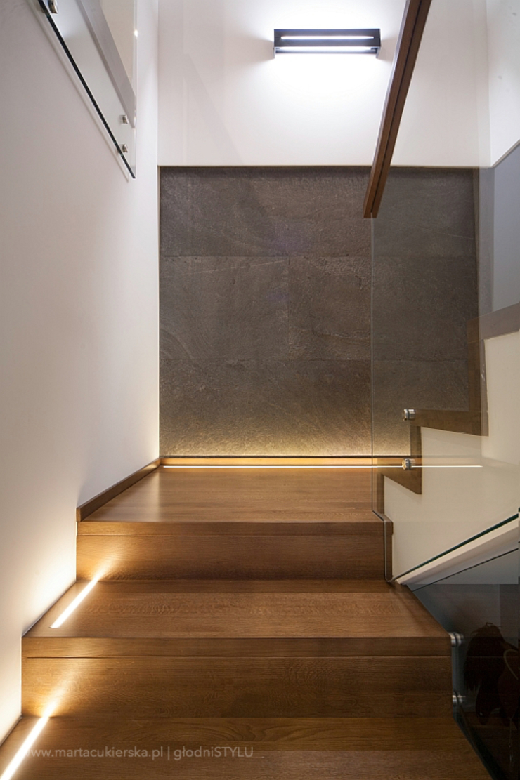 głodni STYLU pracownia projektowa Modern Corridor, Hallway and Staircase