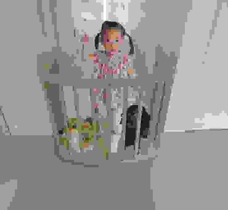 غرفة المعيشة تنفيذ YUMIKA Design,