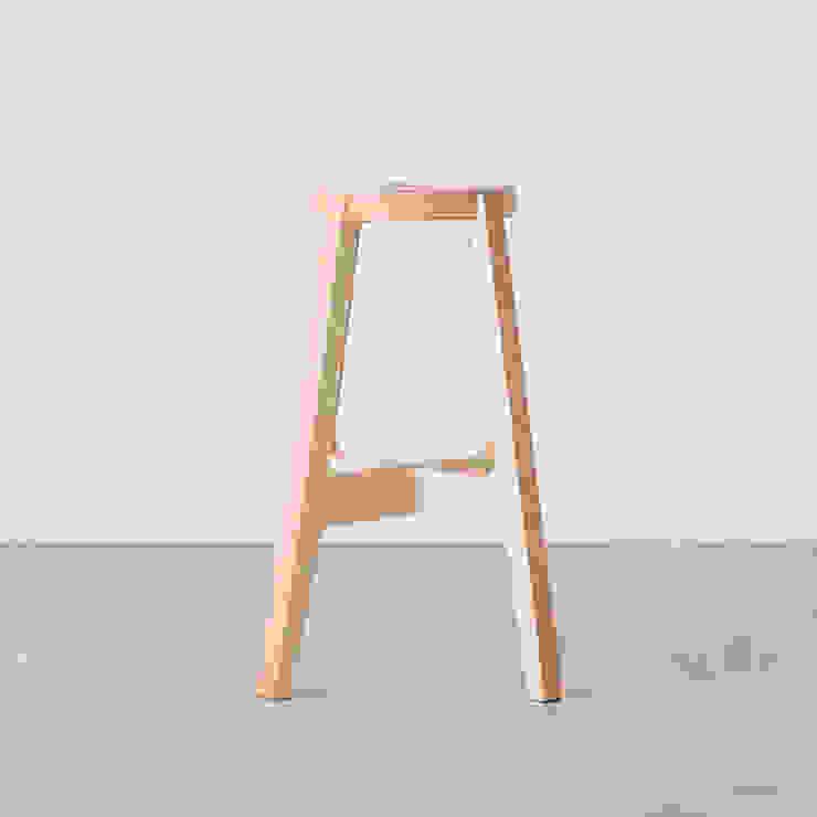 Paper-Wood STOOL de DRILL DESIGN Co., Ltd. Minimalista
